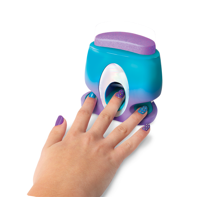 (young)T37531_Cool-Maker_xPress-Nails_Lifestyle-for-PKG_Sept27-(901-of-1)_small-button2.png
